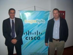 Jhonny Brancovich Gerente de Marca de Cisco y Richard Piralla de Cisco Systems