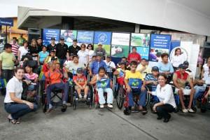 """""""Nuevas Esperanzas Ruedan por Venezuela"""", entregaron sillas de rueda en el estado Barinas"""