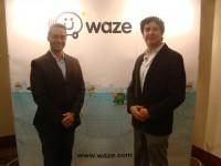 De izq a der. Albano García-Country Manager de Waze Vzla- Galo Chavez - Product and Community Manager de Waze