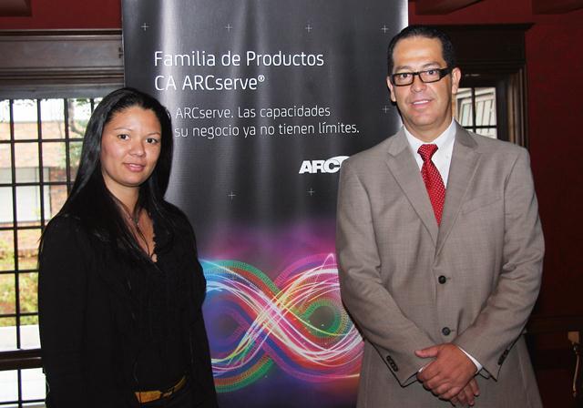 Ejecutivos de CA Technologies: Liz Marulanda, Inside Channel Account Manager, y Marcelo Lopes, Estratega Senior de Soluciones.