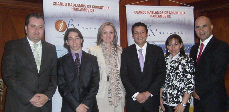 En la foto de izquierda a derecha aparecen: Carlos Pérez, director de Proyectos; Ezequiel Carson, gerente Regional de Tecnologia (CTO); Danny Rodríguez, gerente de Ventas; Giovanni Canchila, gerente de Customer Care; Marcela Rovira, gerente Regional de Producto (CPO) y Jairo Vargas, ejecutivo de Cuenta de IFX Networks.