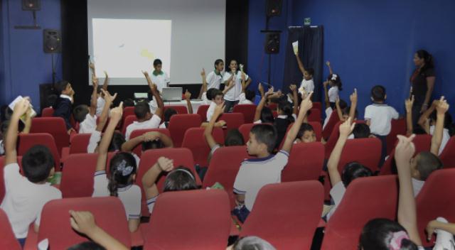 Niños y niñas de Barinas conocen Canaima Educativo