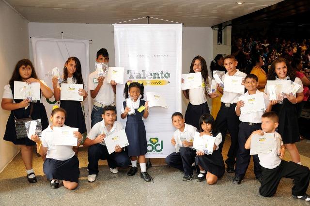 Estudiantes ganadores Talento Educativo