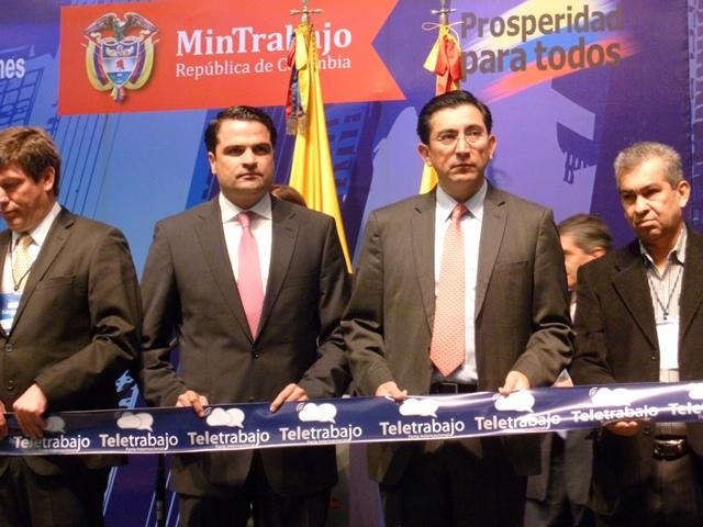 En la fotografía Juan Pablo Villegas, Director Regional para América Latina y el Caribe NOLA - Citrix - Diego Molano, Ministro de TIC.