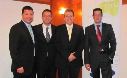 De izquierda a derecha: Alfonso Torrijos, Director Global UDN Utilities / Oil & Gas everis, Rafael Saray, Solution Advisor Oil & Gas SAP, John Cabrera, Industry Principal Oil & Gas SAP, Juan Zerda, Mobility Sales Specialist SAP.
