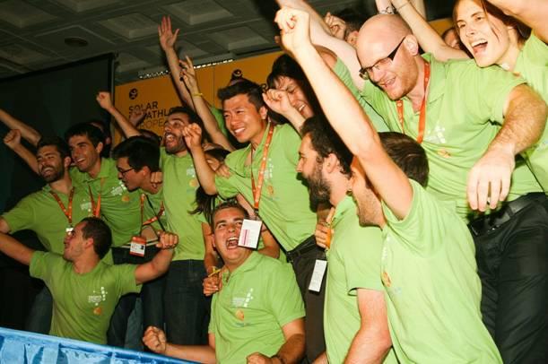 Equipo Rhône-Alpes (Francia) ganador de la competición Decatlón Solar Europeo 2012, gracias a su proyecto Canopea (copyright: Solar decathlon Europe 2012)