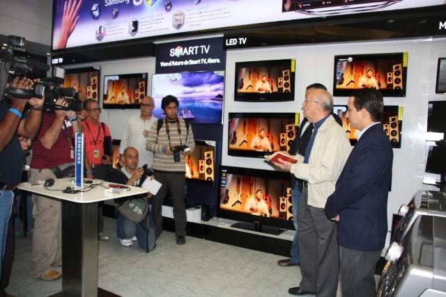 Samsung Electronics inaugura nueva tienda en el Centro San Ingnacio