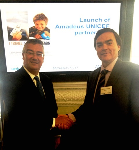Tim Hunter, International Fundraising Director de UNICEF, y Tomás López Fernebrand, Senior Vice President, General Counsel and Corporate Secretary de Amadeus, durante el evento realizado en Londres.