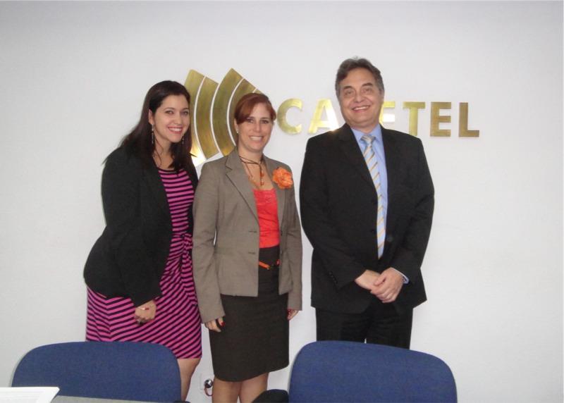 Patricia Valladares (centro) con Zulmari Artigas y Serafino Setaro