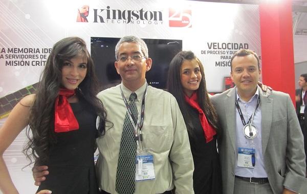 En la foto de izquierda a derecha: Luis Pérez Plata, gerente de Tecnología para México y Latinoamérica y Miguel Orjuela, country Manager Kingston Colombia.