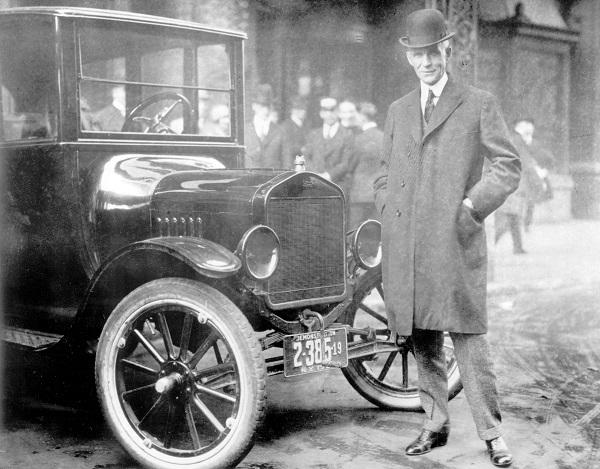 Henry-Ford-con-el-Modelo-T