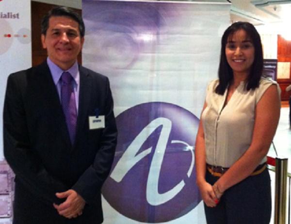 José Ignacio Quintero, Director de Soluciones de Alcatel-Lucent CALA y Oriana Ortega, Gerente de Cuentas Clave de Alcatel-Lucent Venezuela