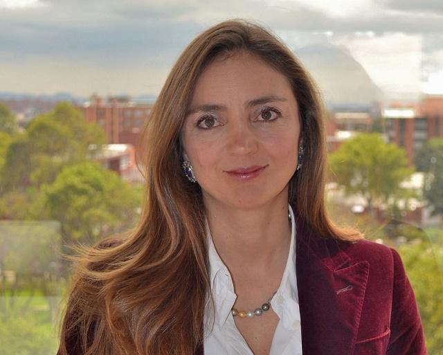 Nathalie Lozano Abogada Implantes PIP