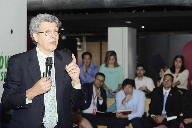 Raúl Katz hablando sobre Ecosistema Digital