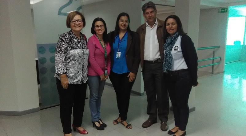 Representantes de Granjas Infantiles, APEP y Don Bosco junto con Normary Romero de Banesco