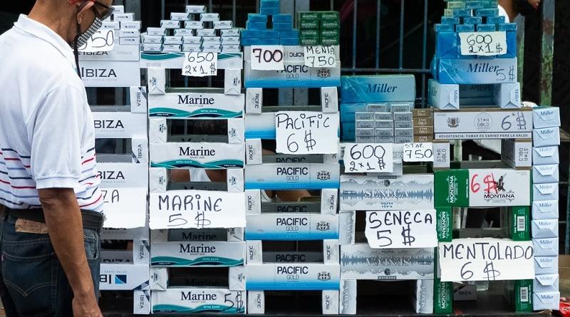 Cigarrillos ilicitos minando el mercado. Foto Caracas enero 2021